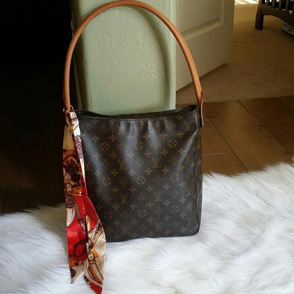 0f182d1518719 Louis Vuitton Handbags - AUTH Louis Vuitton Looping GM